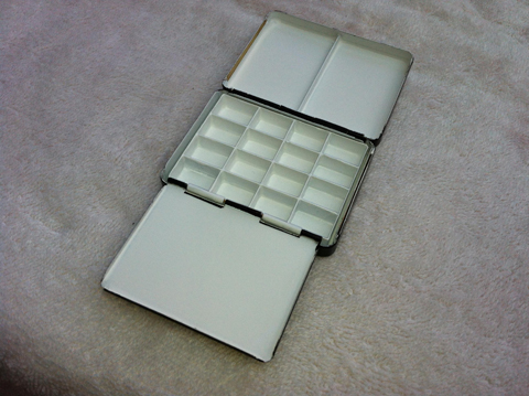 Travel palette with front flap